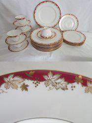 RT @barntiques859: BIN $245. Royal Doulton China Red and Gold Winthrop...